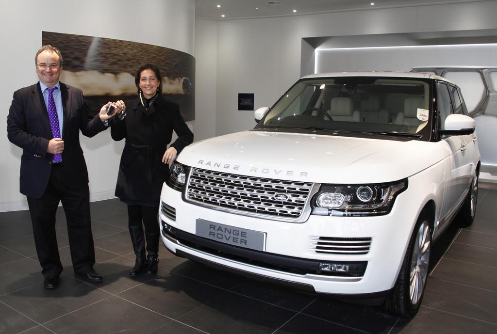 Land Rover nimmt Auslieferungszentrum in Betrieb