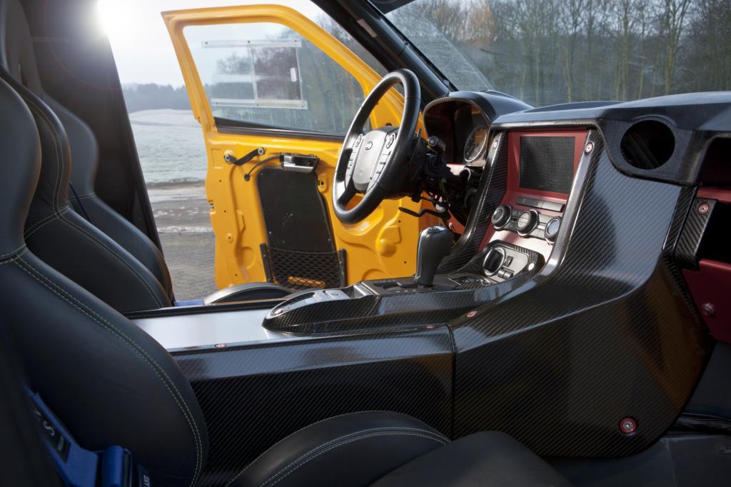 Mit der normalen Sechsgang-Automatik anstelle des sequentiellen Renngetriebes lässt sich das Auto ohne peinliche Bocksprünge bes