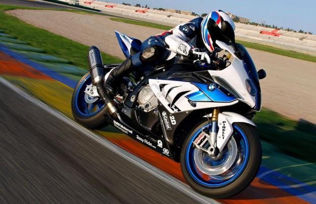 Motorradtest: BMW HP4 - Die Quadratur auf Gummiwalzen