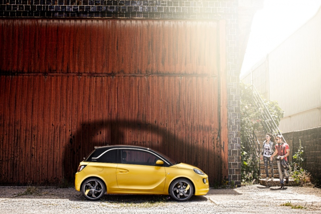 Opel Adam Salm: Nach einer Woche 20.000 Bestellungen – Erfolgreicher Start und Auszeichnungen für neuen Blitz