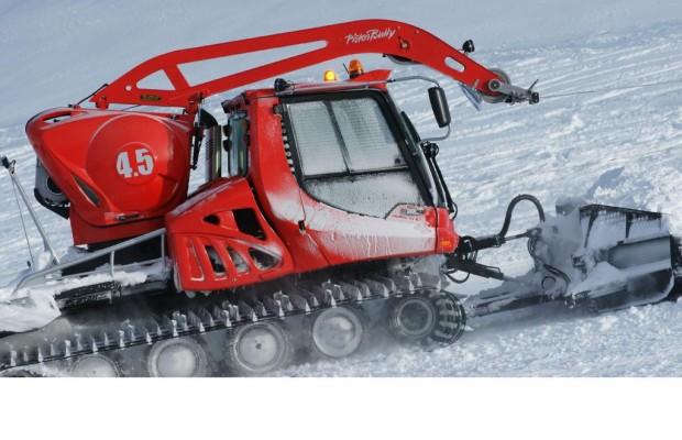 Panorama: Mit dem Pistenbully im Dienst der Skifahrer - Jenseits aller Schneeromantik