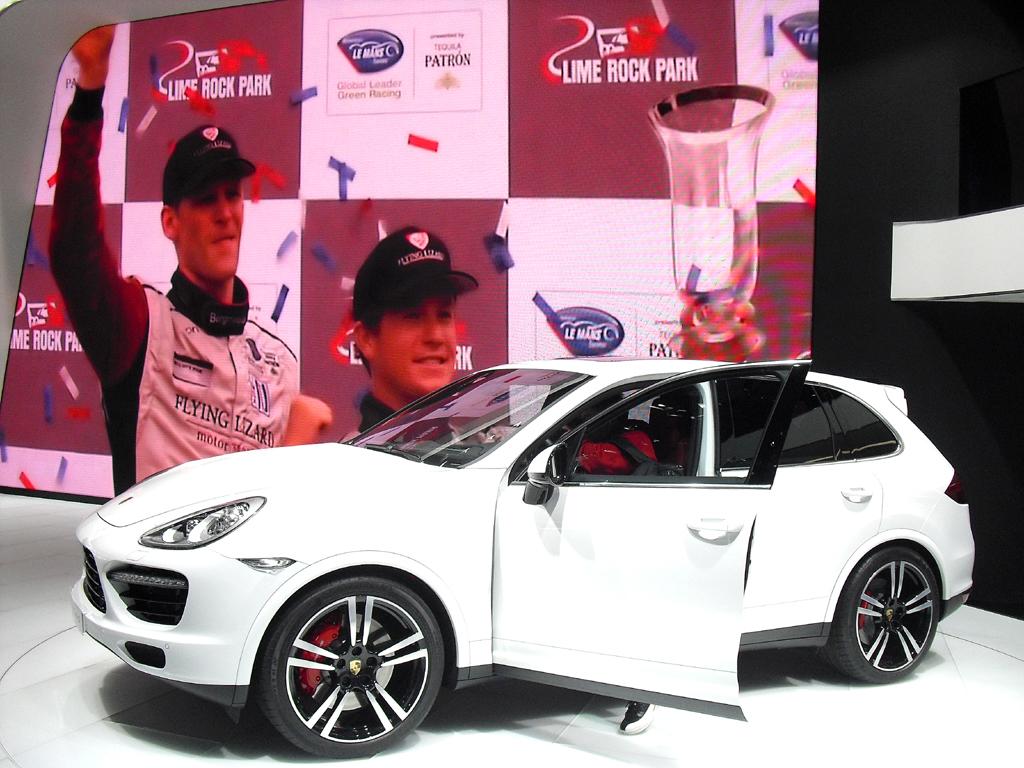 Porsche-Premiere in Detroit: Der Cayenne Turbo S wartet mit 550 PS auf.