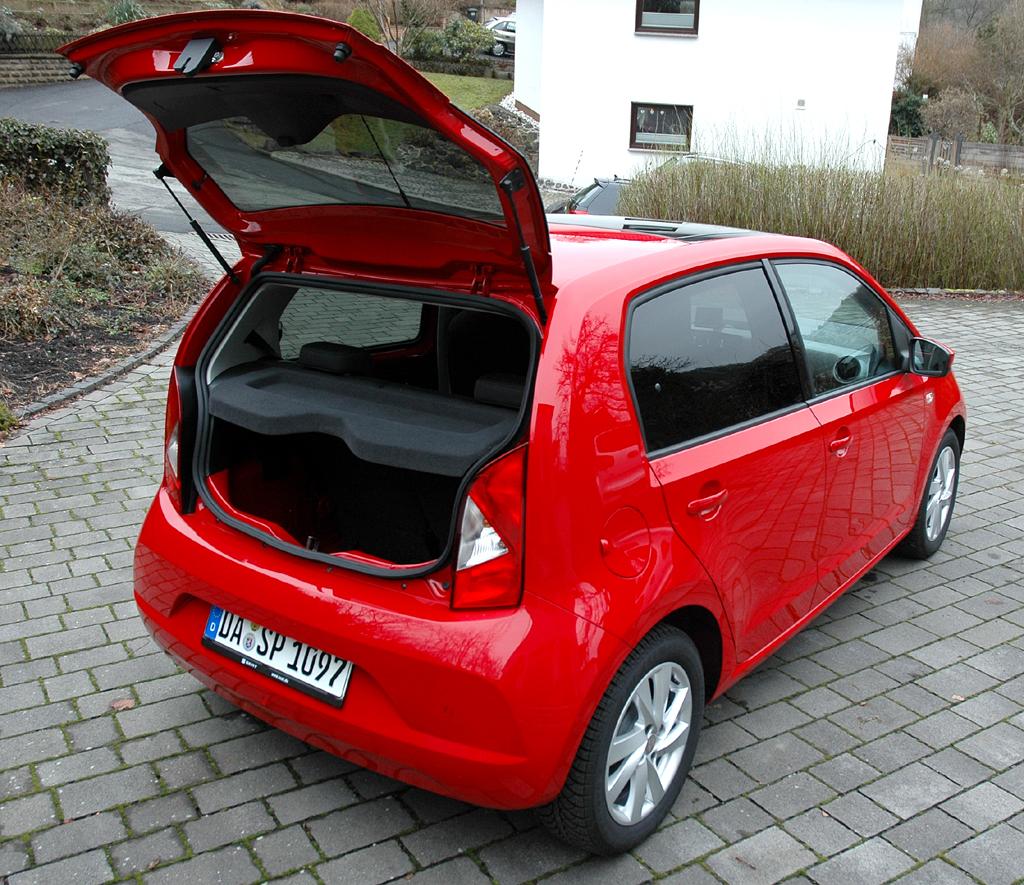Seat Mii: Ins Gepäckabteil passen 251 bis 951 Liter hinein.
