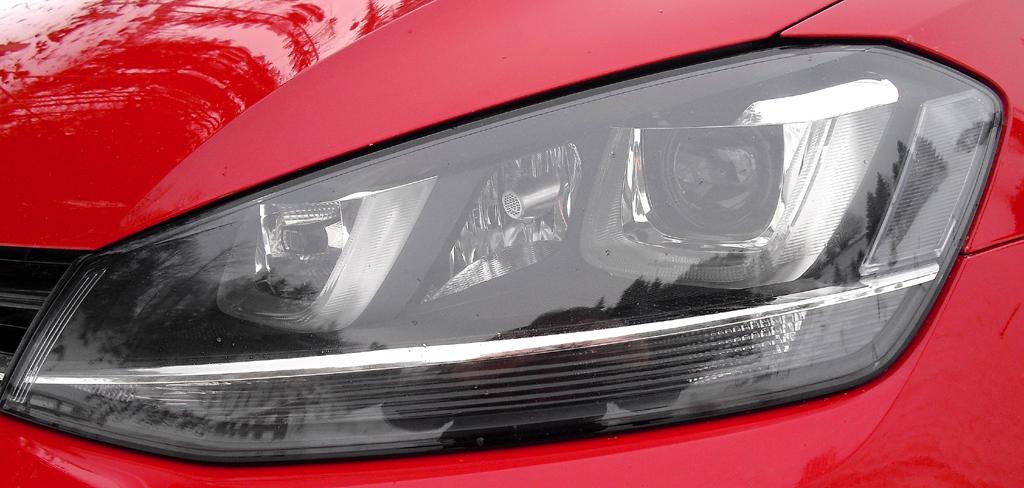 VW Golf 4Motion: Moderne Leuchteinheit vorn.