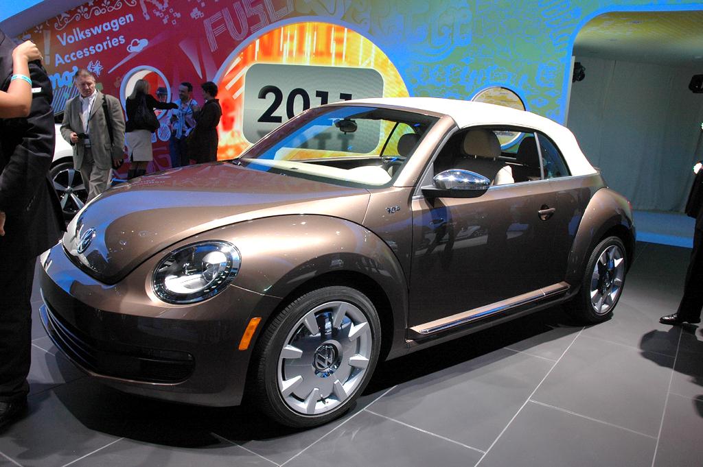 VW startet mit dem Beetle Cabrio ins neue Jahr.
