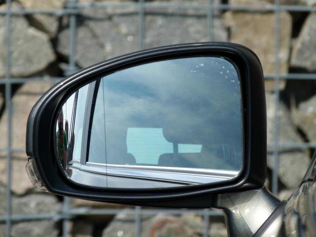 Vergleich Seat Exeo ST und Toyota Avensis Combi – Spanische Emoción trifft Japanische Gelassenheit