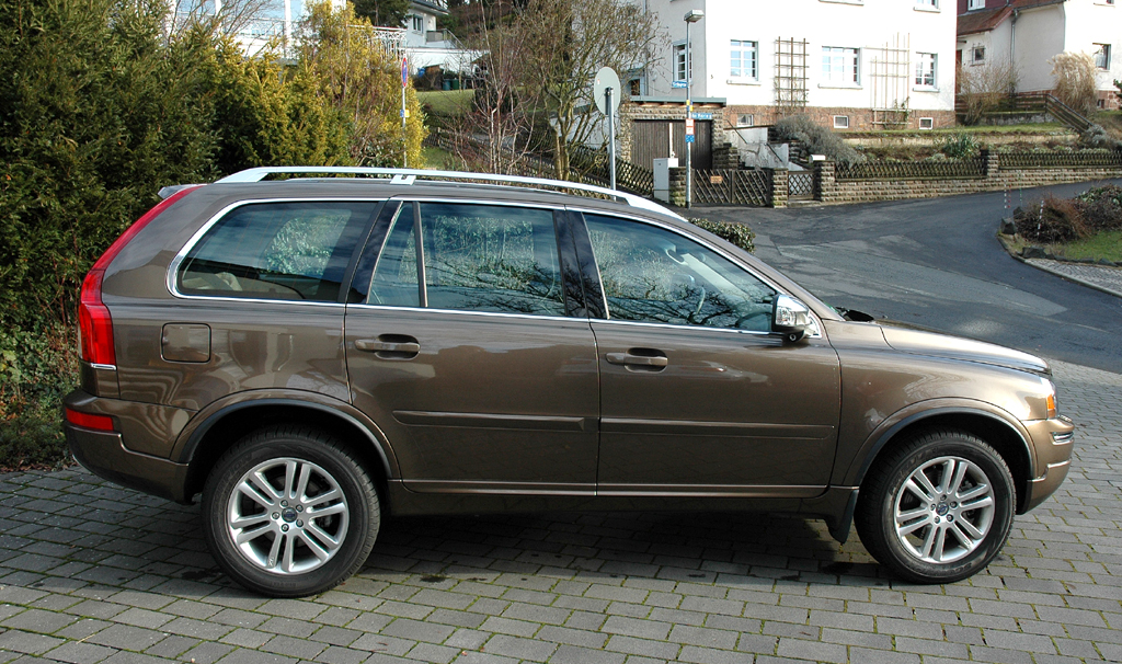 Volvo XC90: Und so sieht das große SUV-Modell der Schweden von der Seite aus.