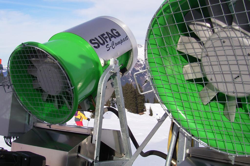 Von 3 bis 20 Grad minus können die Sufag-Propellermaschinen Schnee erzeugen