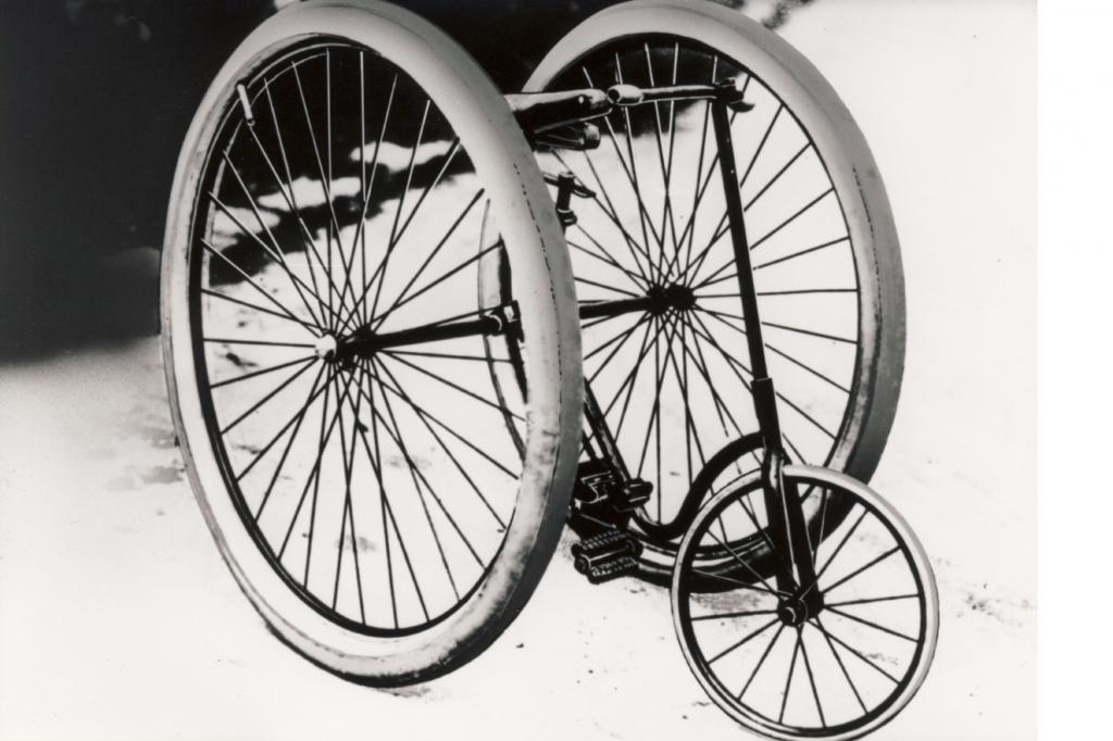 125 Jahre Reifen - Der Trick mit der Luft