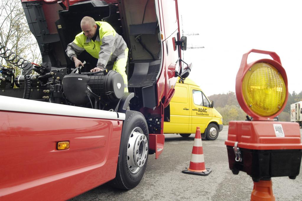 ADAC TruckService: Jetzt wird auch abgeschleppt