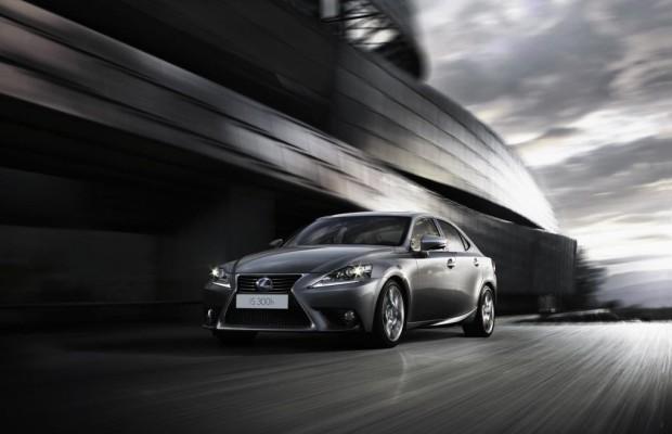 Ab Sommer im Handel: Lexus IS 300h