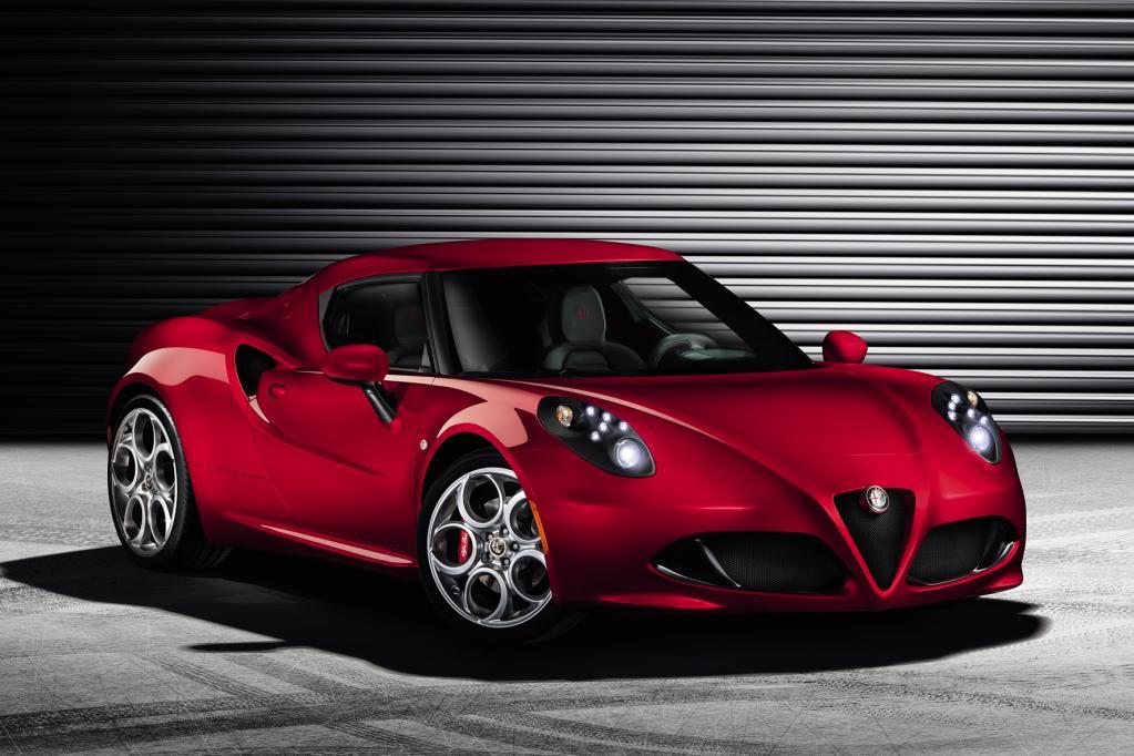 Alfa Romeo präsentiert die Serienversion des Sportwagens