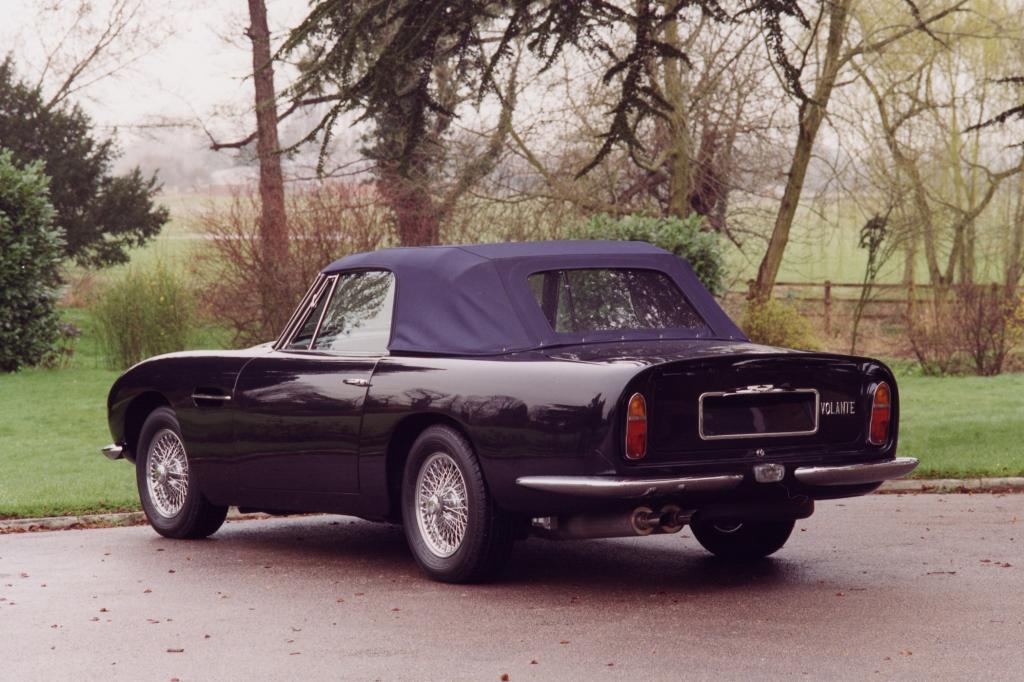 Aston Martin DB6 Volante 1965