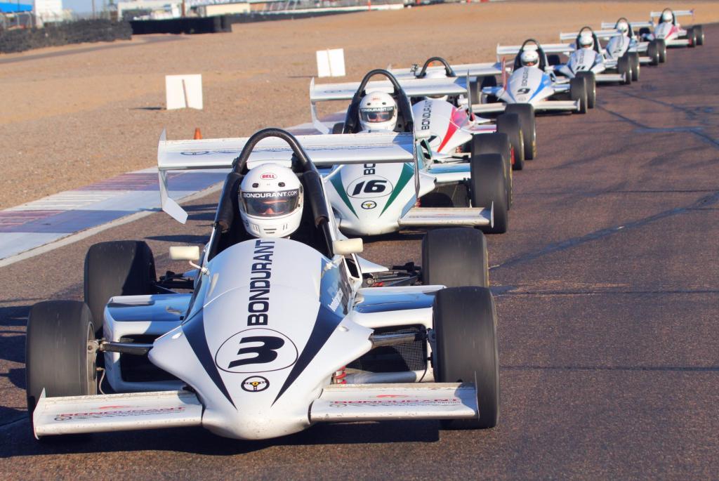 Auch mit Formel-Fahrzeugen wird trainiert