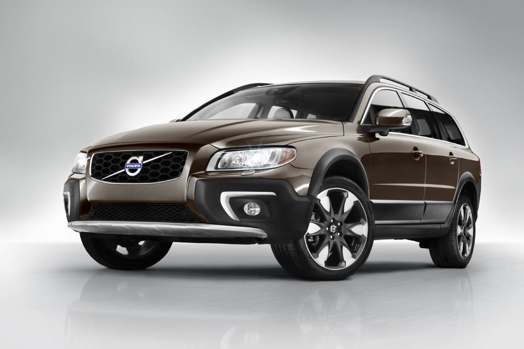 Bei den größeren Modellen der Volvo-Modellpalette wie der Offroad-Version XC70 überarbeitete Volvo Front und Heck