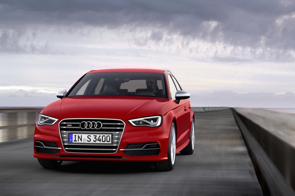 Der Audi S3 Sportback kommt in der neuen Generation auf 300 PS