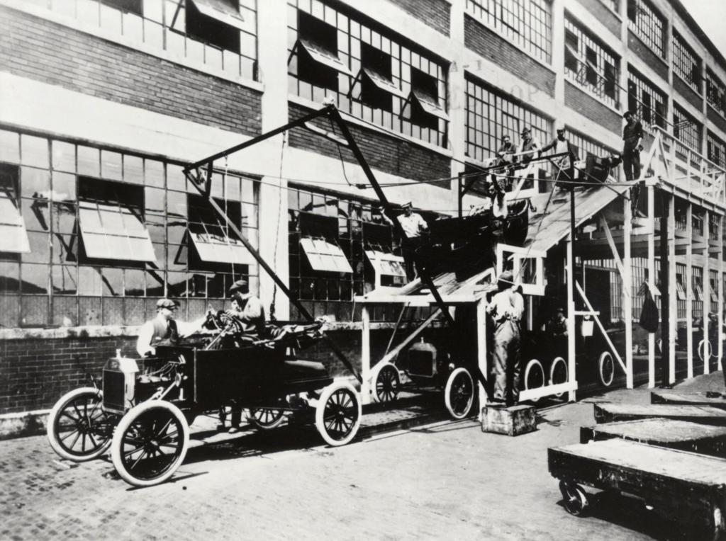 Fließbandfertigung von Autos wird 100 Jahre alt