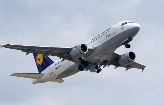 Flugreisen - Rekordhoch bei Passagieren