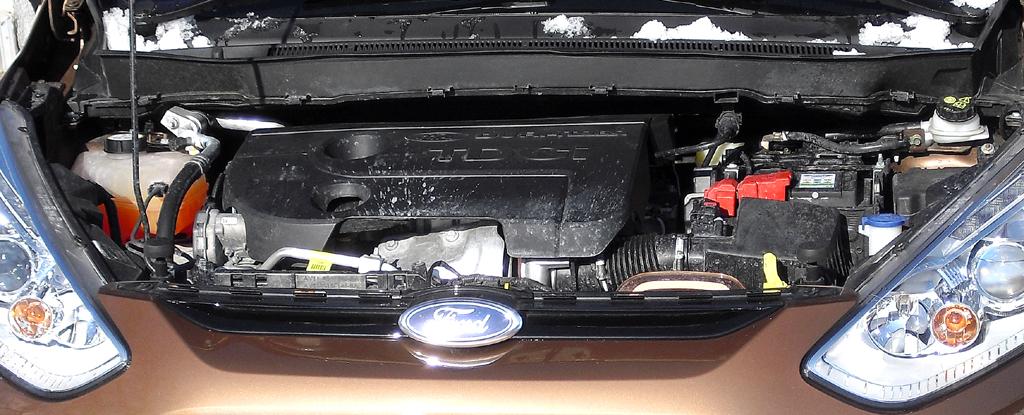 Ford B-Max: Blick auf den 1,6-Liter-Selbstzünder.