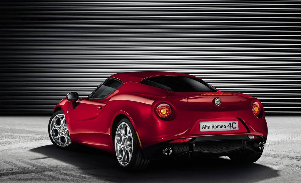 Genf 2013: Alfa Romeo zeigt Weltpremiere des 4C