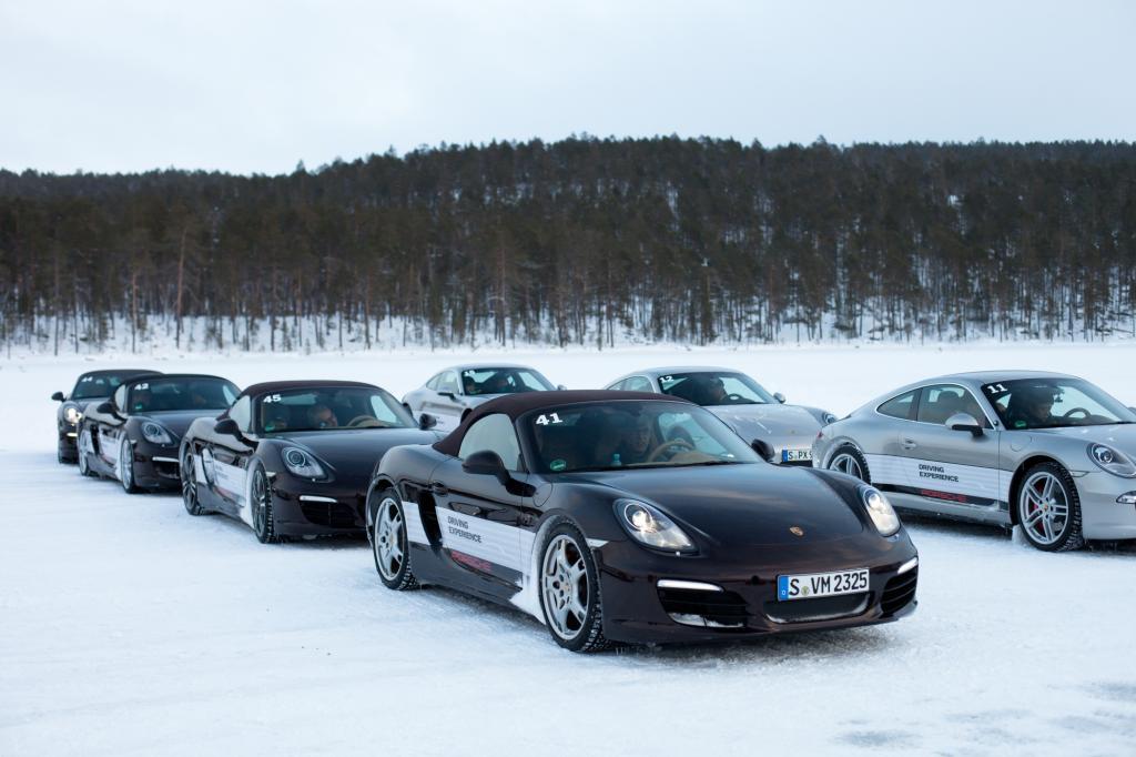 Ice-Force finden auf dem präparierten Pasasjärvi- See nördlich von Ivalo statt