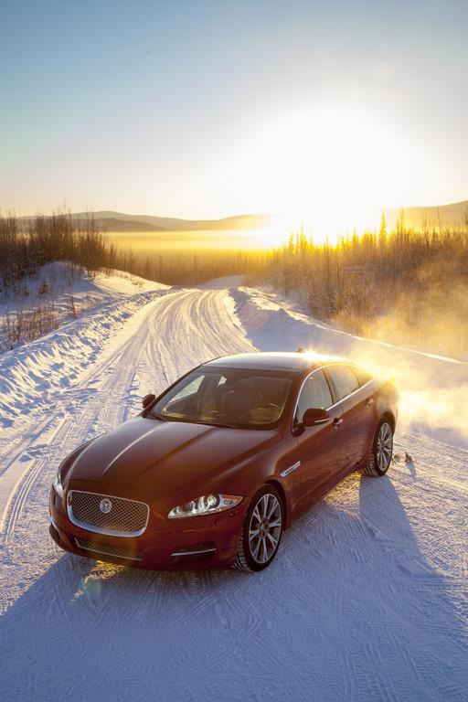 Jaguar XF und XJ spurten jetzt mit allen Pfoten (Langversion)