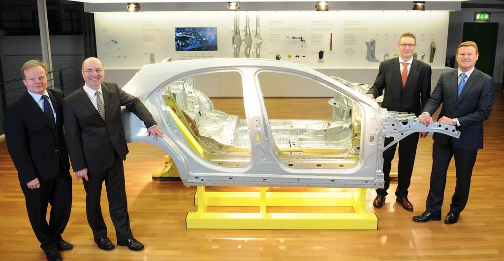 Mercedes-Benz-Werk Rastatt bietet Automobilbau zum Anfassen