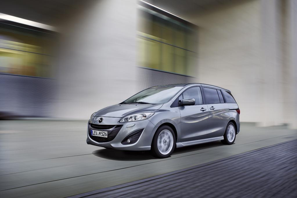 Mit aufgefrischter Optik und erweiterter Ausstattung ist der Mazda 5 ab sofort erhältlich.