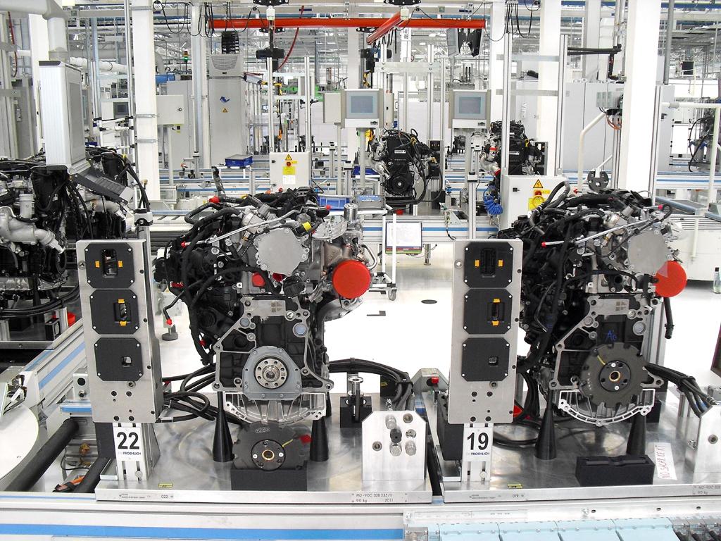 Motorenproduktion, hier im neuen Volkswagen-Werk Silao in Mexiko, ...