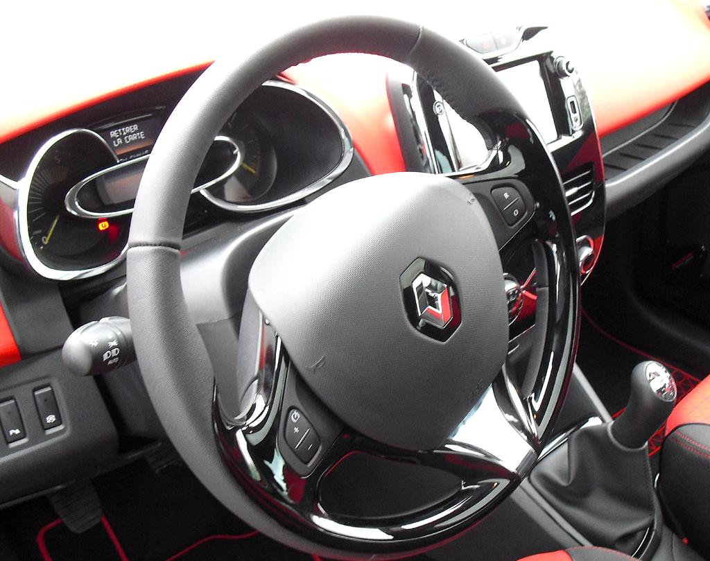 Renault Clio Grandtour: Blick ins übersichtlich gestaltete Cockpit.