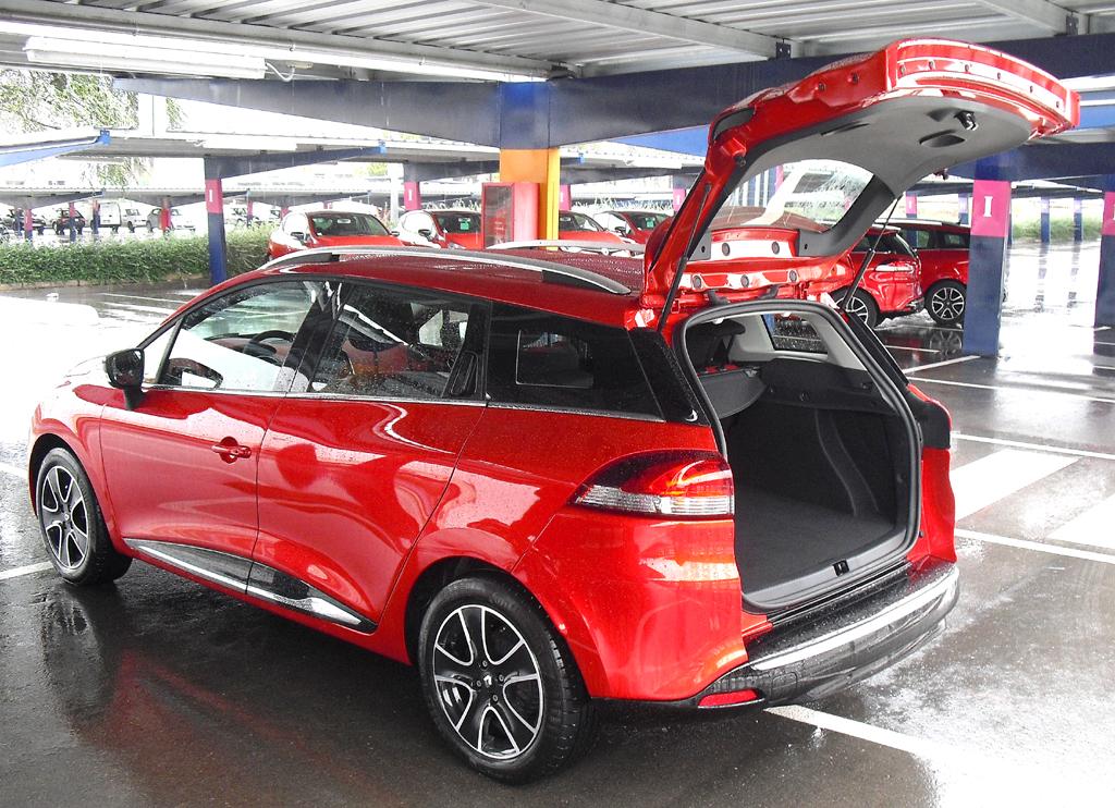 Renault Clio Grandtour: Ins Gepäckabteil passen 443 bis 1380 Liter hinein.