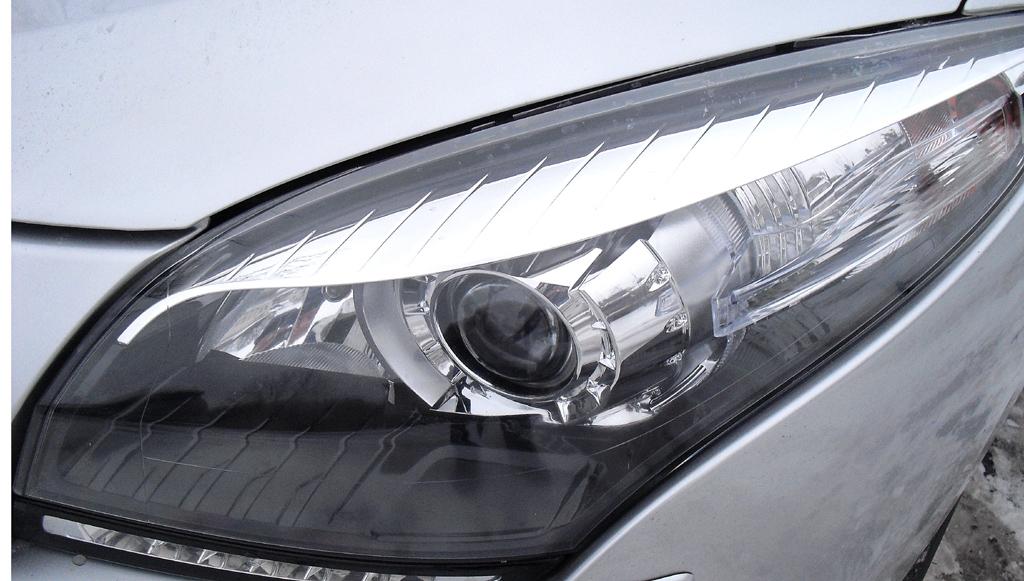 Renault Mégane: Moderne Leuchteinheit mit LED-Tagfahrlicht vorn.