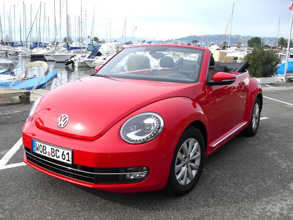 Selbst im neuen VW Beetle Cabrio gibt es inzwischen hubraumkleine 1,2-Liter-Motoren.