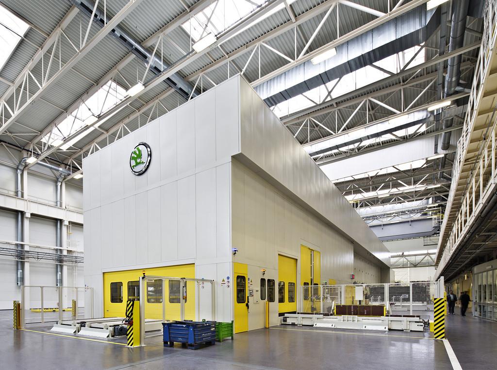 Skoda nimmt umweltfreundliche Pressenstraße in Betrieb