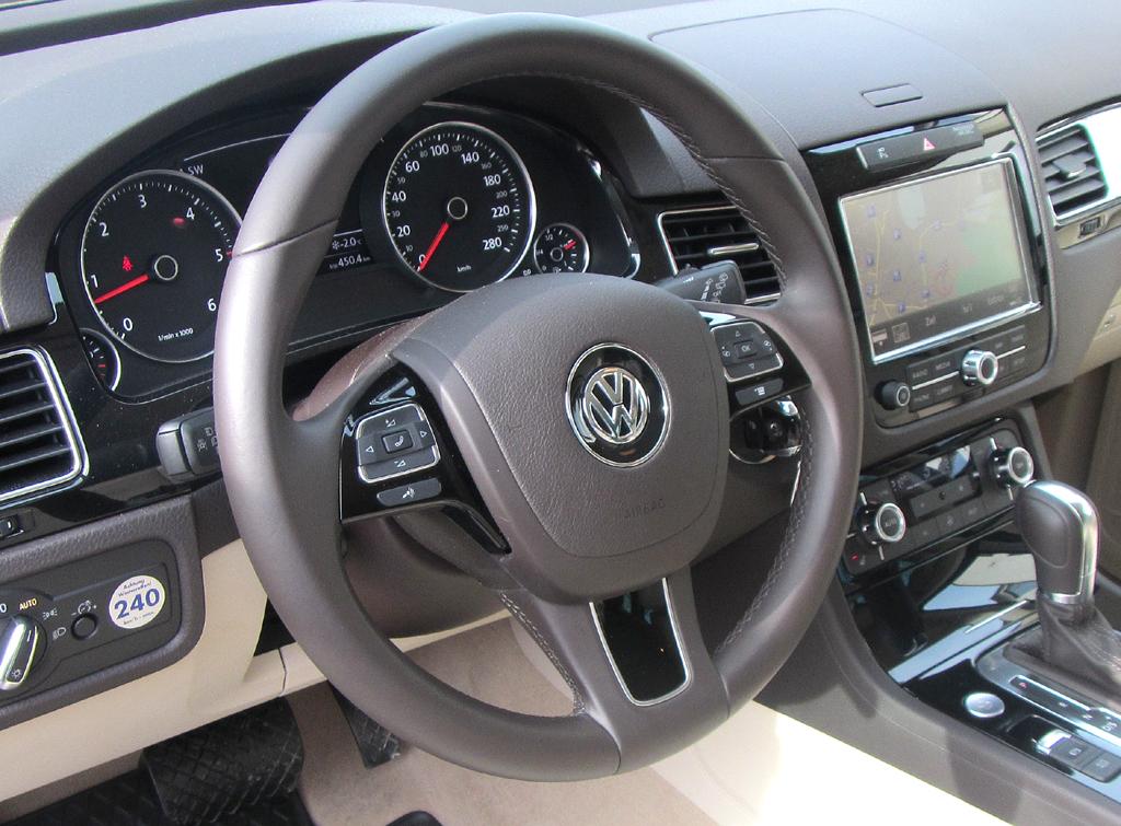 VW Touareg: Blick ins Cockpit.