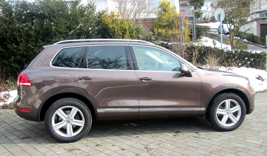 VW Touareg: Und so sieht das luxuriöse Oberklasse-SUV-Modell von der Seite aus.