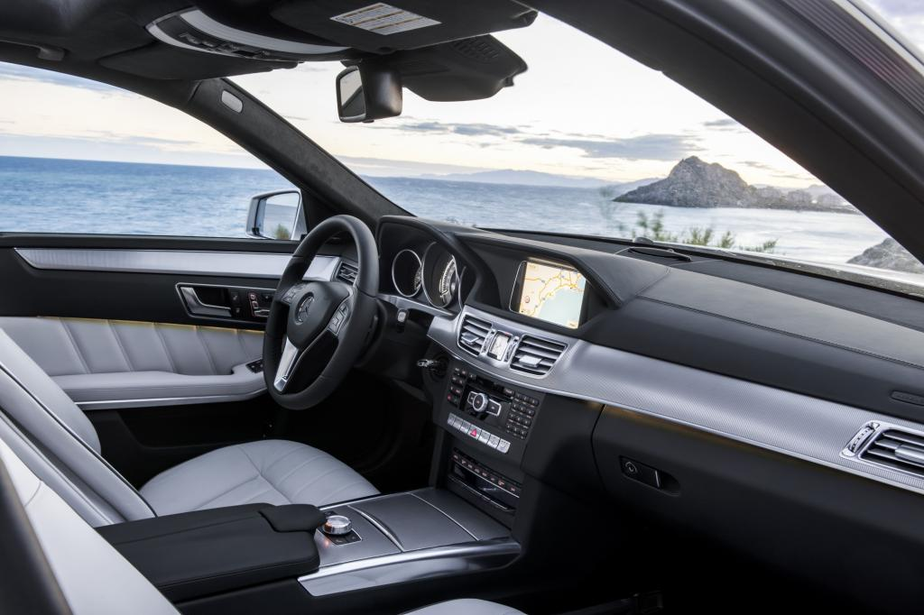 Viel verspricht sich Mercedes-Benz vom neuen aktiven Spurhalte-Assistenten