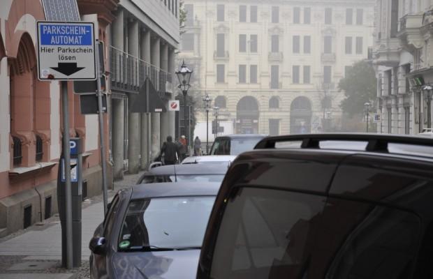 Wochenend-Pendler dürfen zweiten Garagenplatz absetzen