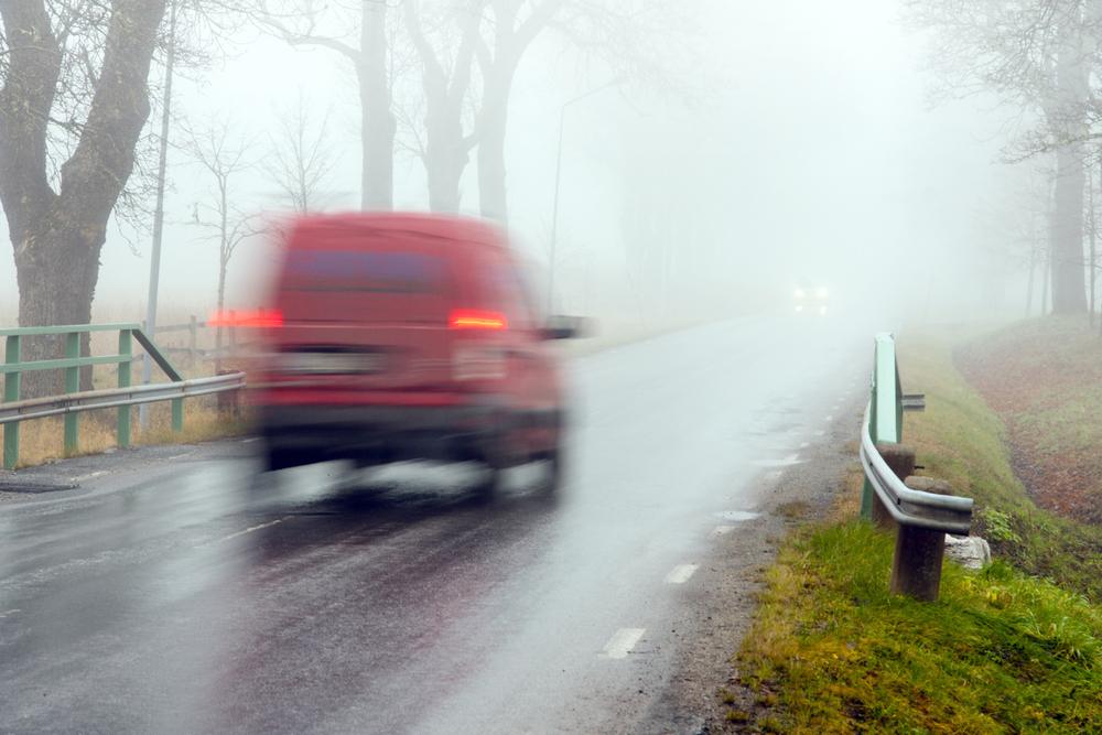 Bei Nebel und Schnee Abblend- statt Tagfahrlicht