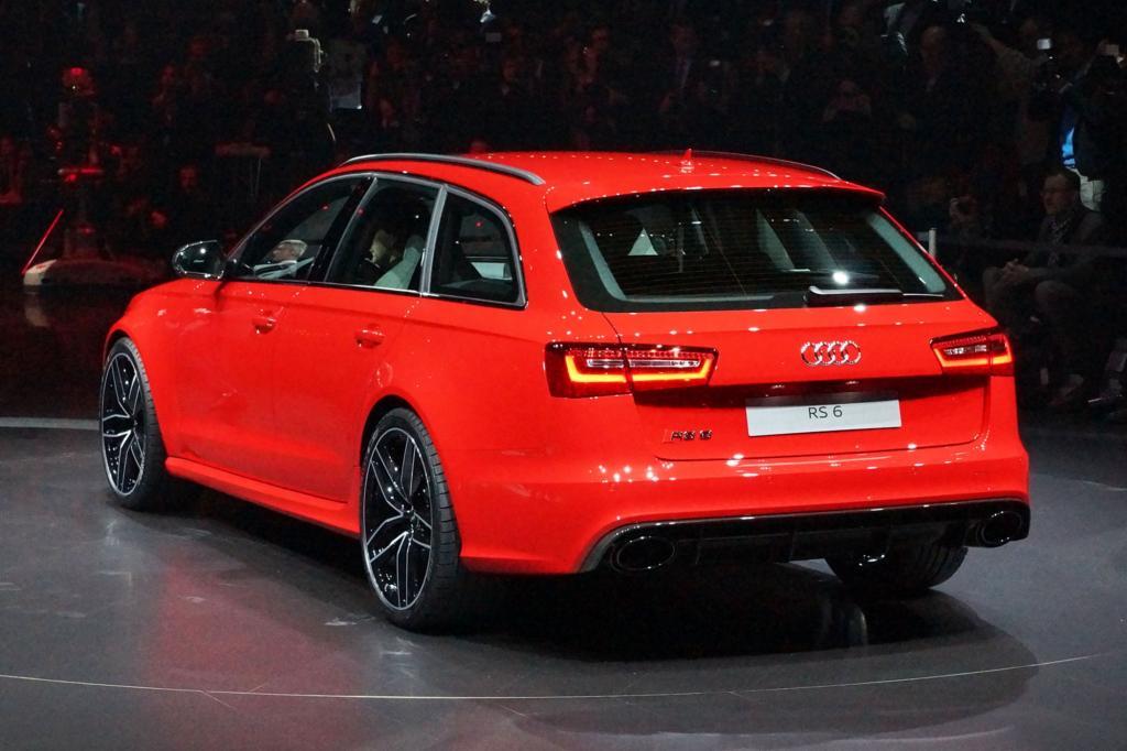 Das Gepäckraumvolumen des Audi RS6 beträgt bei umgeklappten Sitzen über 1.600 Liter