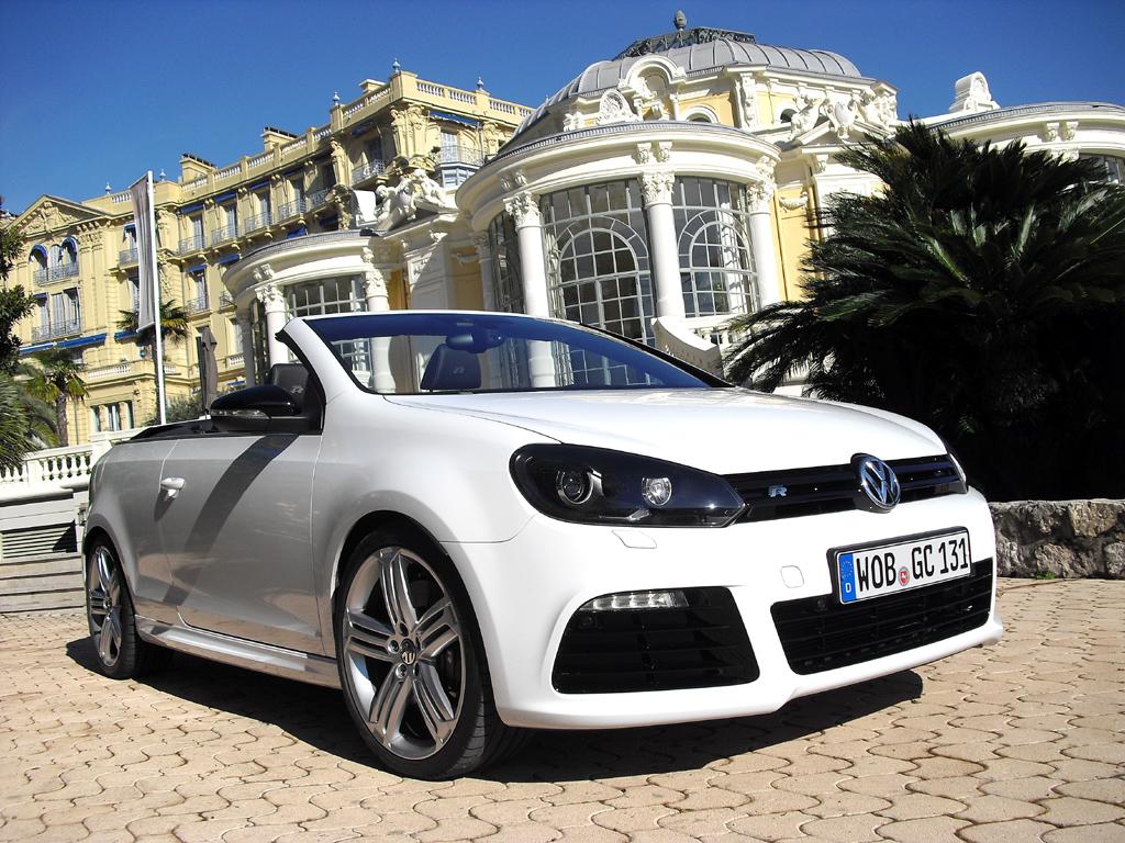Das Verdeck des neuen Golf R Cabrios ist in neun Sekunden offen, ...