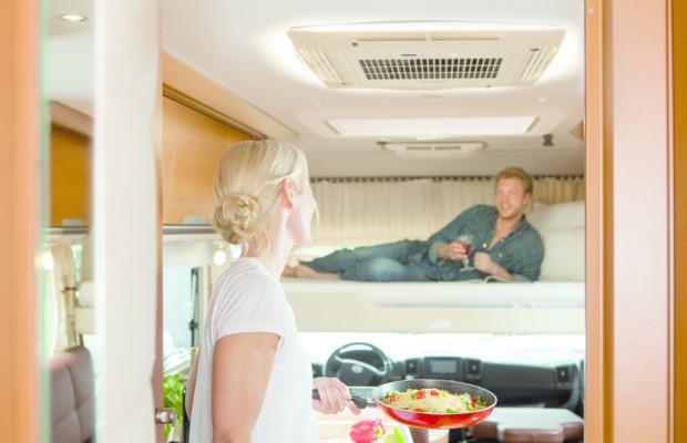 Dometic bringt kompakte Klimaanlage Freshjet 2200