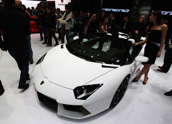 Fahrspaß und Luxusautos, hier Lamborghini, sind gefragt.