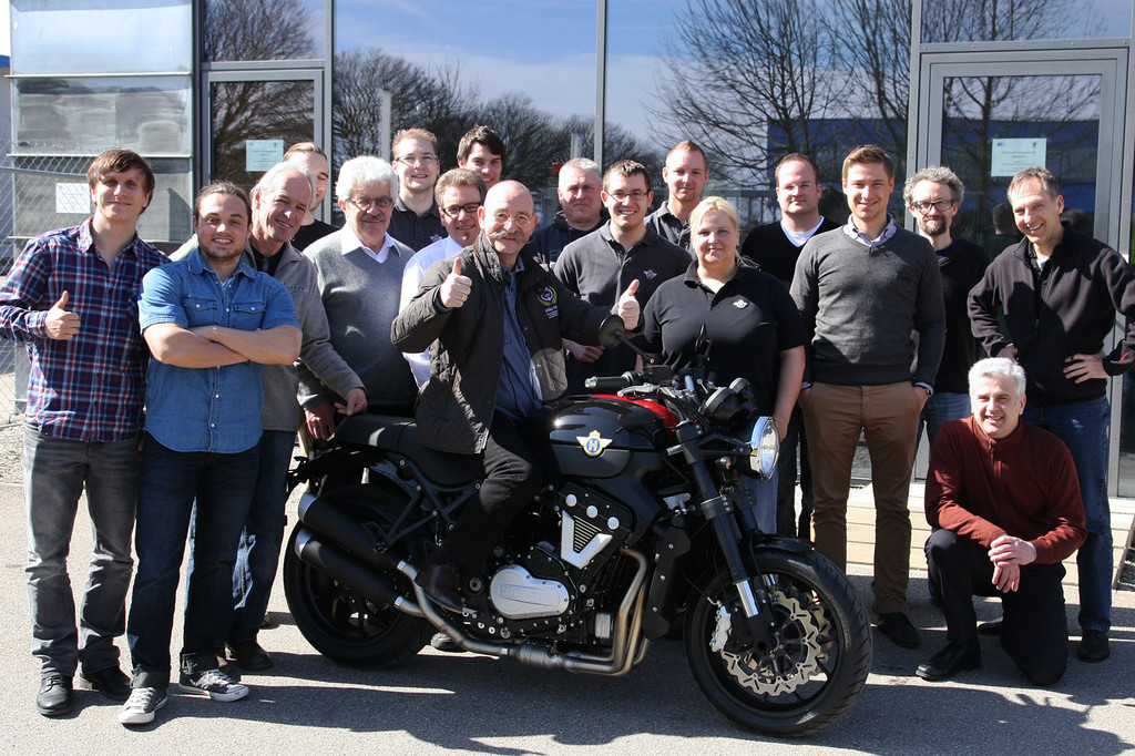 Fernsehkoch Horst Lichter holt Horex VR6 Roadster ab
