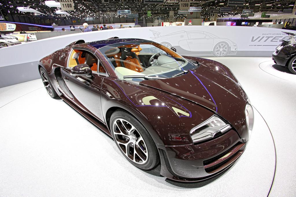 Genf 2013: Bugatti bringt drei Carbon-Roadster mit