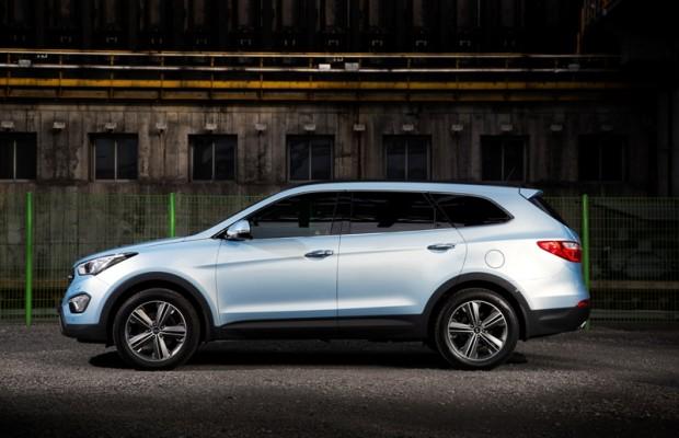 Genf 2013: Hyundai feiert Premiere des Grand Santa Fe, ix35 mit neuem Benziner und als FCEV Brennstoffzellenfahrzeug, Smartphone-Anwendungen