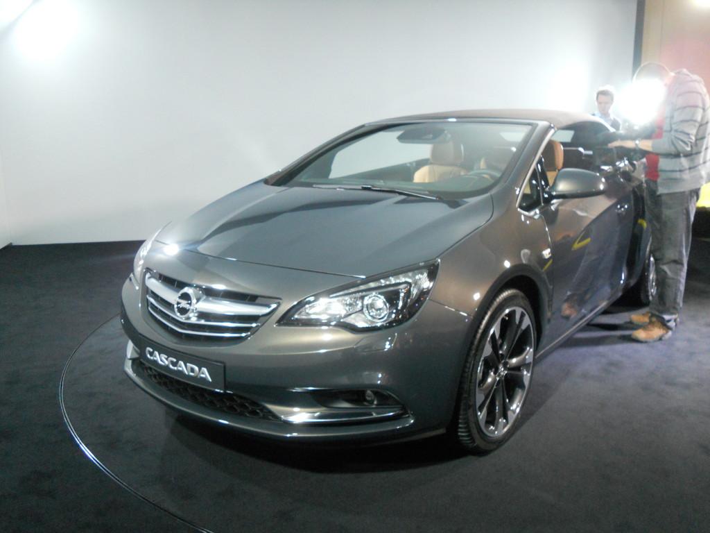 Genf 2013: Opel Cascada startet bei 25 945 Euro
