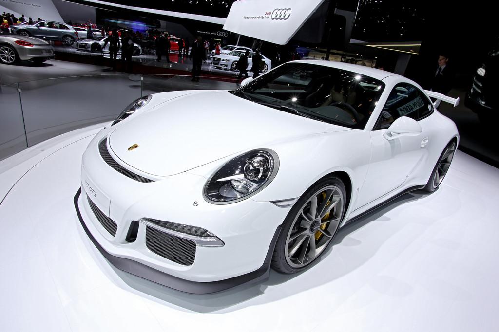 Genf 2013: Porsche 911 GT3 ist in 3,5 Sekunden auf Tempo 100