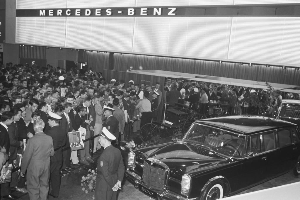 Mercedes-Benz 600 Weltpremiere auf der IAA