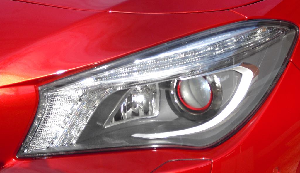 Mercedes CLA: Moderne Leuchteinheit vorn.